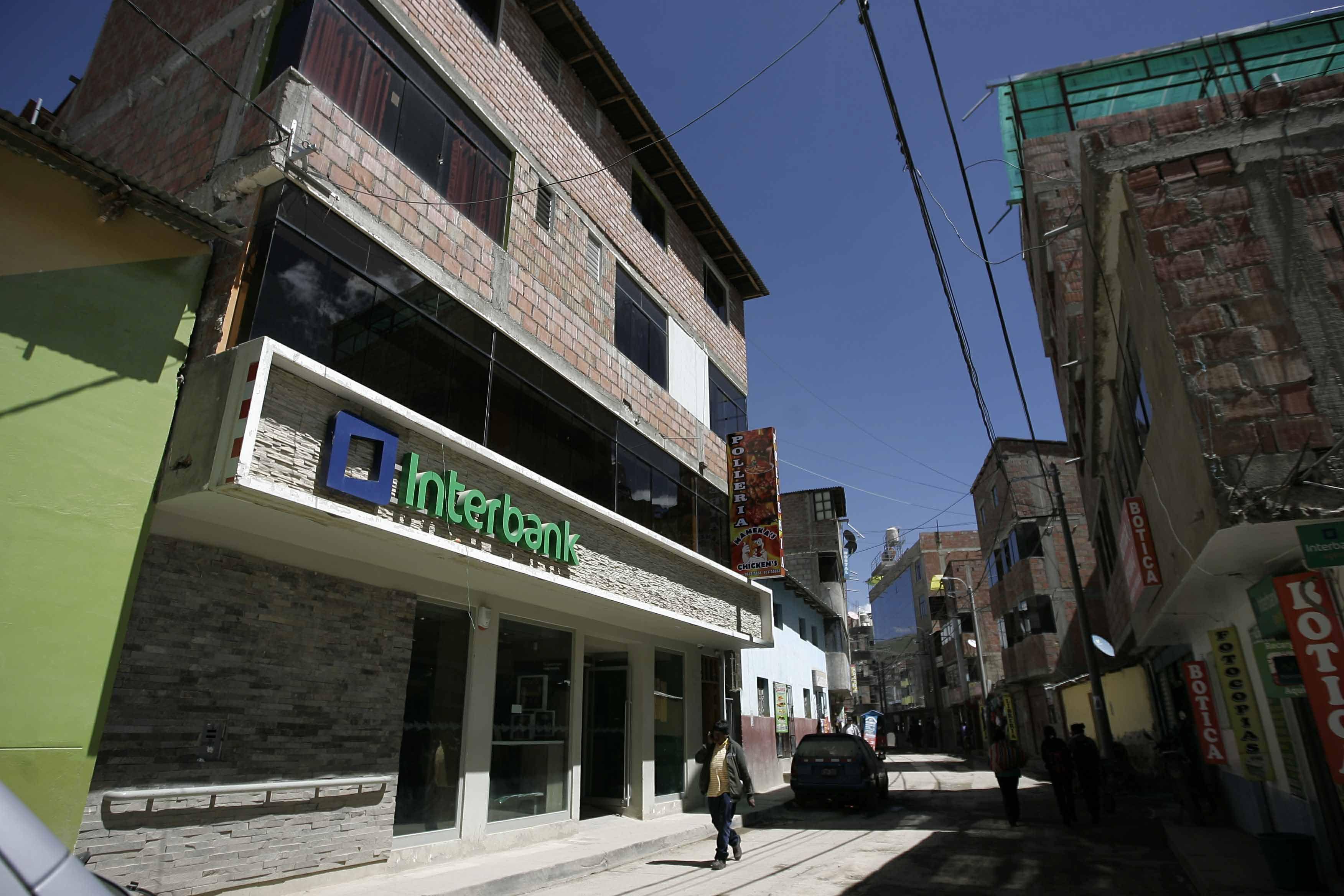 9955fbb3 ... Los negocios han empezado instalarse en el distrito de Chalhuahuacho.  Foto: Julio Angulo -